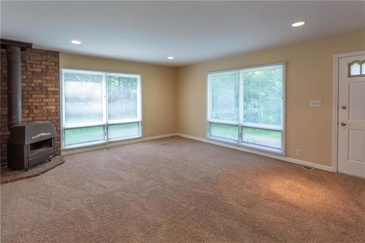 9611 LINCOLN Boulevard Indianapolis, IN 46280 | MLS 21654105 | photo 16