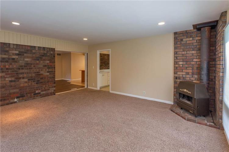 9611 LINCOLN Boulevard Indianapolis, IN 46280 | MLS 21654105 | photo 17