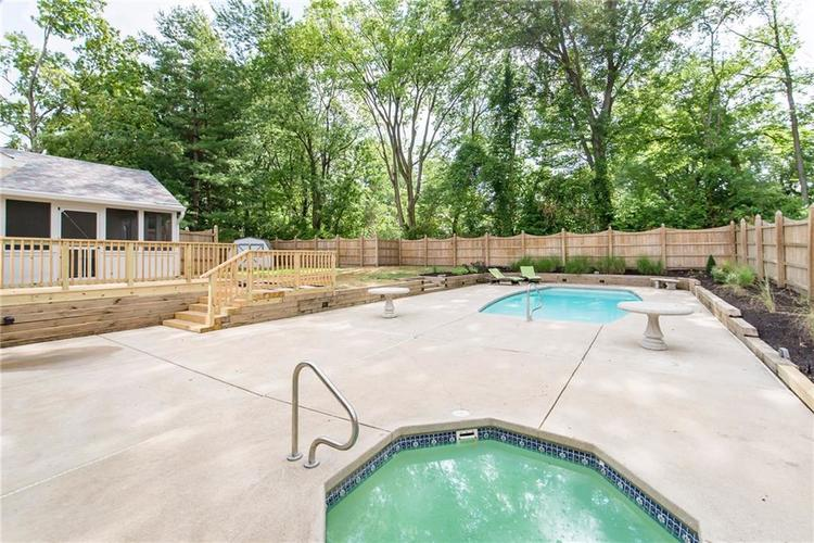 11616 Forest Drive Carmel, IN 46033 | MLS 21654150 | photo 38