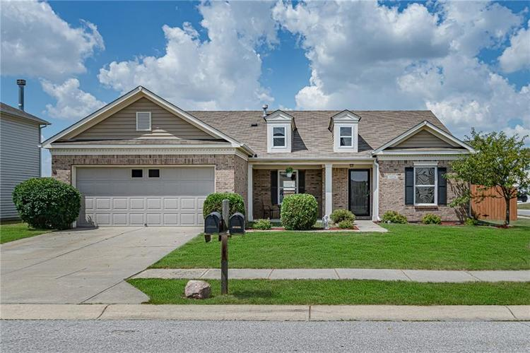 10336 Crooked Stick Drive Brownsburg, IN 46112 | MLS 21654179 | photo 2