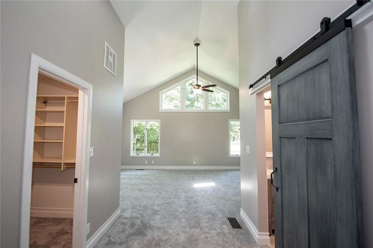 7320 Holliday Drive W Indianapolis, IN 46260 | MLS 21654208 | photo 17
