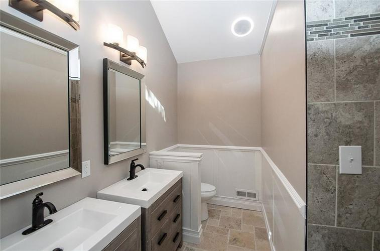 7320 Holliday Drive W Indianapolis, IN 46260 | MLS 21654208 | photo 21