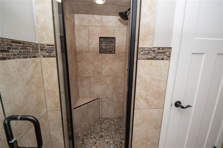 7320 Holliday Drive W Indianapolis, IN 46260 | MLS 21654208 | photo 33