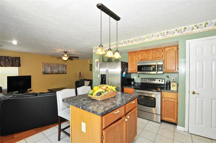 5165 Red Yarrow Way Indianapolis, IN 46254 | MLS 21654241 | photo 14