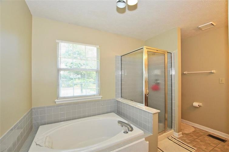 5165 Red Yarrow Way Indianapolis, IN 46254 | MLS 21654241 | photo 32