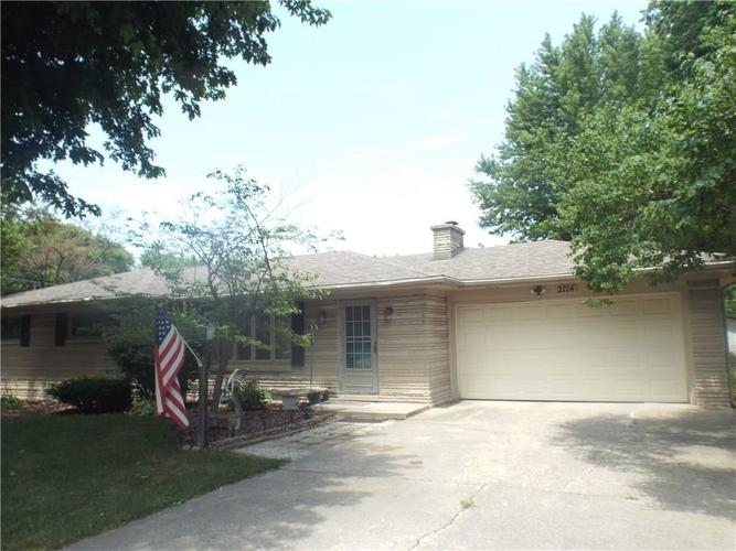 2714 W 39th Street Anderson, IN 46011 | MLS 21654322 | photo 1