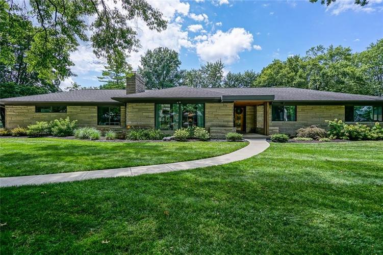 7450 Holliday Drive W Indianapolis, IN 46260 | MLS 21654354 | photo 1