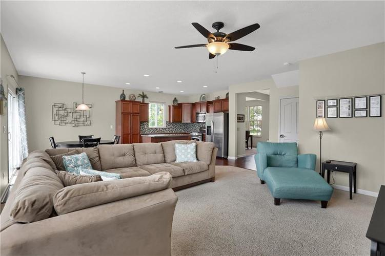 12898 Thames Drive Fishers, IN 46037 | MLS 21654377 | photo 5
