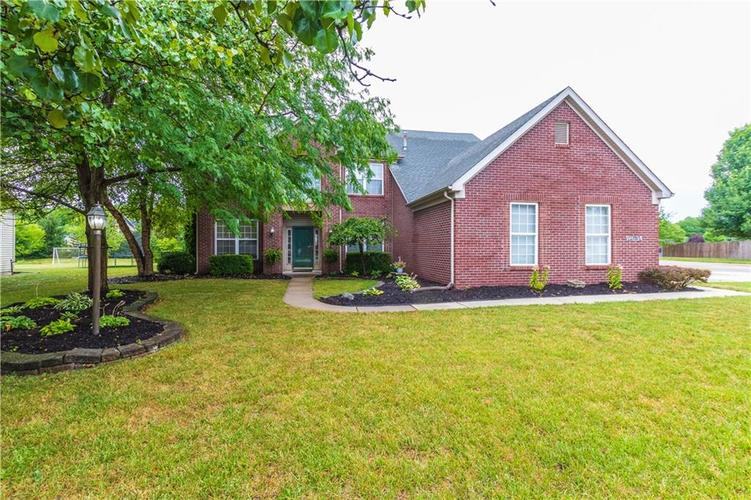 12634  Geist Cove Drive Indianapolis, IN 46236 | MLS 21654398