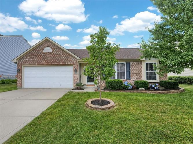 13253  MIDDLEWOOD Lane Fishers, IN 46038 | MLS 21654435