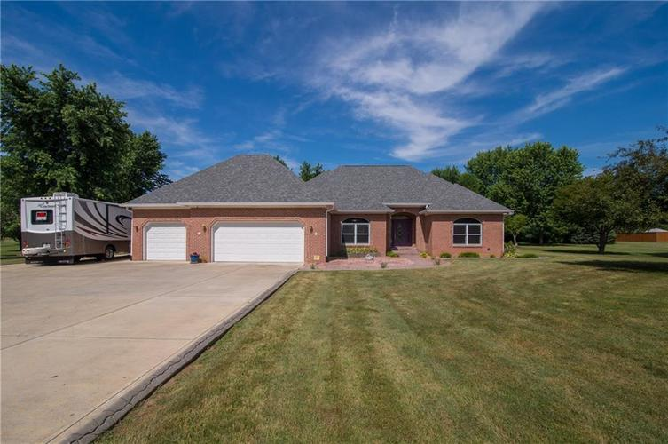 8744 S County Road 575  Mooresville, IN 46158 | MLS 21654504