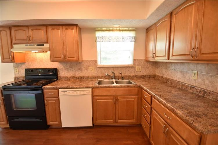8873 Falkirk Court Indianapolis, IN 46256   MLS 21654505   photo 10