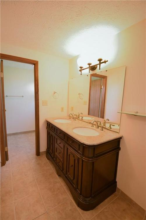 8873 Falkirk Court Indianapolis, IN 46256   MLS 21654505   photo 17