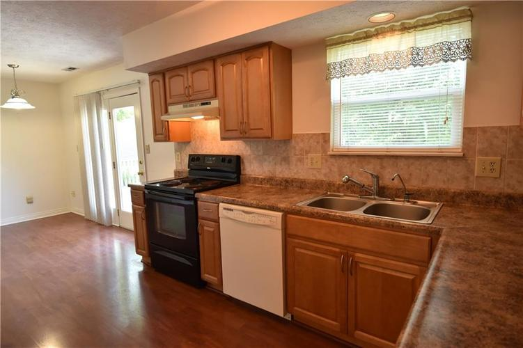 8873 Falkirk Court Indianapolis, IN 46256   MLS 21654505   photo 7
