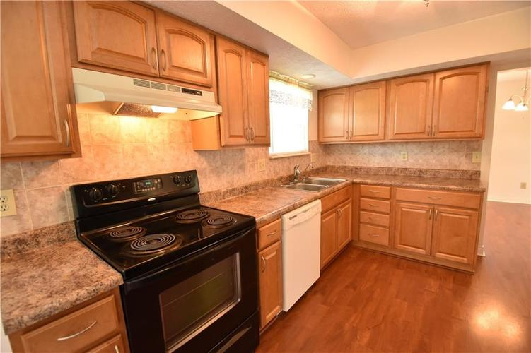 8873 Falkirk Court Indianapolis, IN 46256   MLS 21654505   photo 9