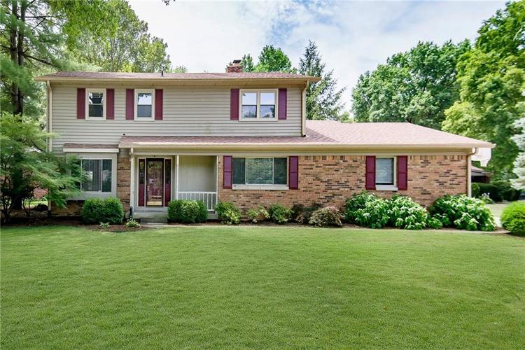 8233 Groton Lane Indianapolis IN 46260 | MLS 21654525 | photo 1