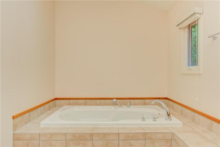8939 WOODACRE Lane Indianapolis, IN 46234 | MLS 21654548 | photo 24