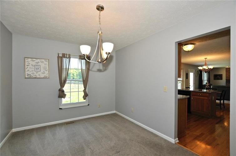 8213 Kentallen Court Indianapolis, IN 46236 | MLS 21654585 | photo 10