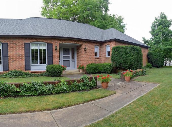 9477 Spring Mill Road Indianapolis, IN 46260   MLS 21654623   photo 3