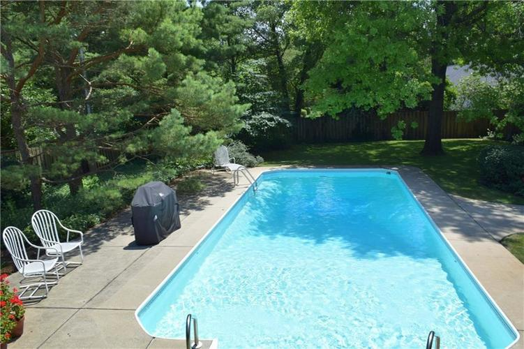 9477 Spring Mill Road Indianapolis, IN 46260   MLS 21654623   photo 30