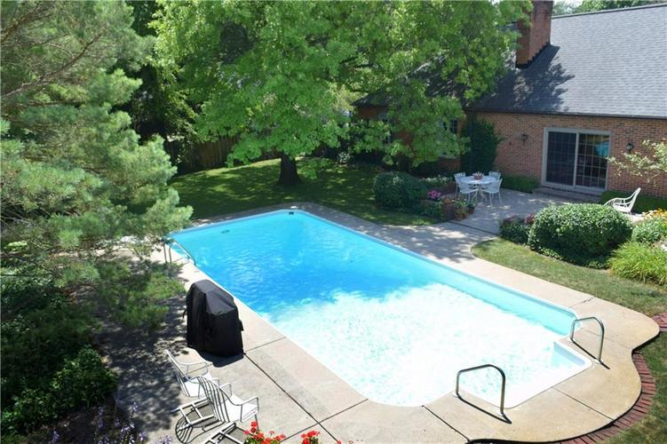 9477 Spring Mill Road Indianapolis, IN 46260   MLS 21654623   photo 33