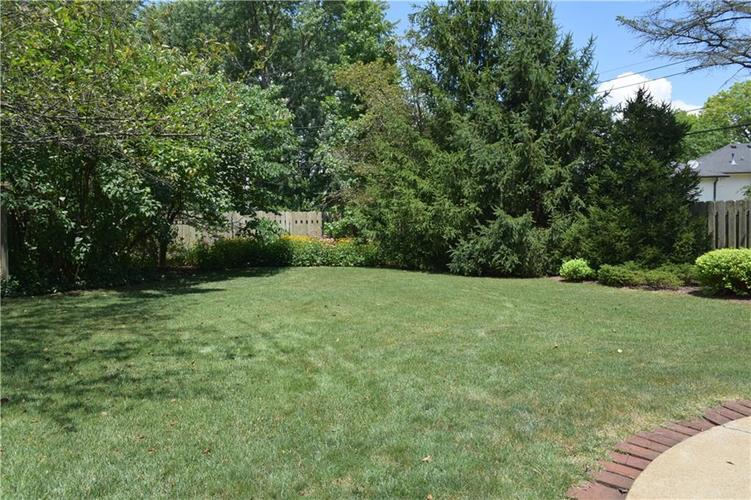 9477 Spring Mill Road Indianapolis, IN 46260   MLS 21654623   photo 35