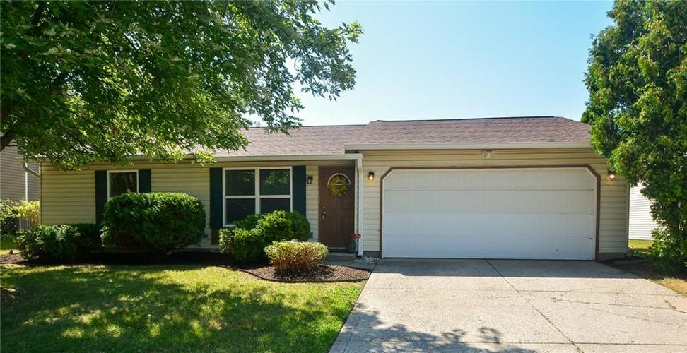 7774 Camberwood Drive Indianapolis, IN 46268 | MLS 21654763 | photo 1