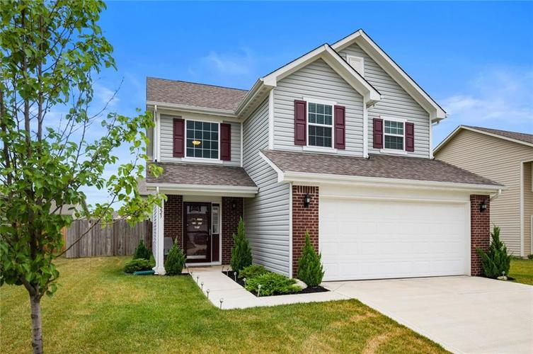 15223 Silver Charm Drive Noblesville, IN 46060 | MLS 21654771 | photo 1