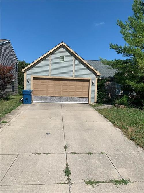 6343  Kelsey Drive Indianapolis, IN 46268 | MLS 21654795
