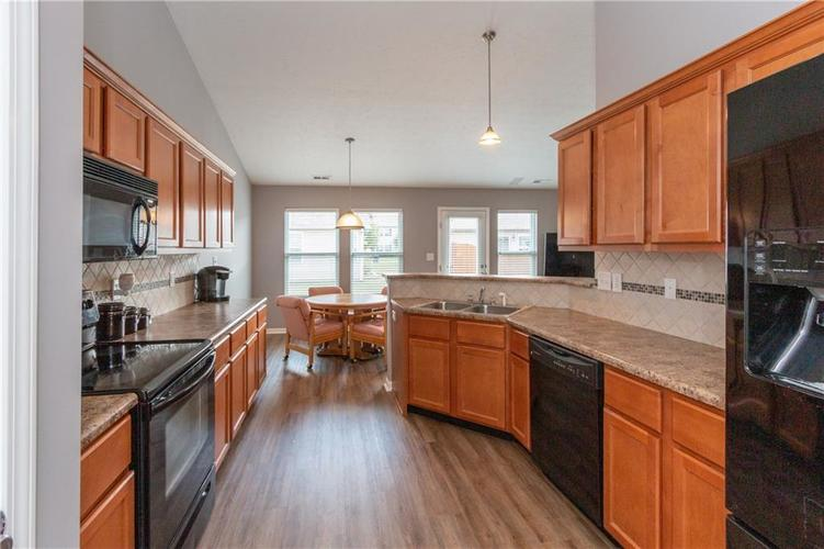 3055 Sholty Court Cicero, IN 46034 | MLS 21654900 | photo 5