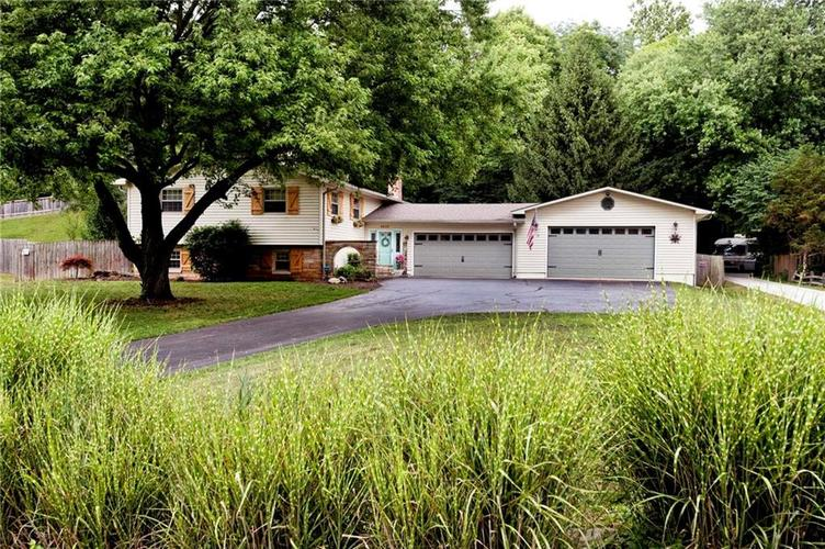 6622  SARGENT Road Indianapolis, IN 46256 | MLS 21655012