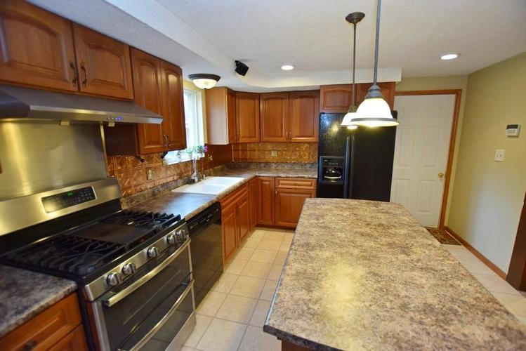 1907 E 400 North N Greenfield, IN 46140   MLS 21655039   photo 11