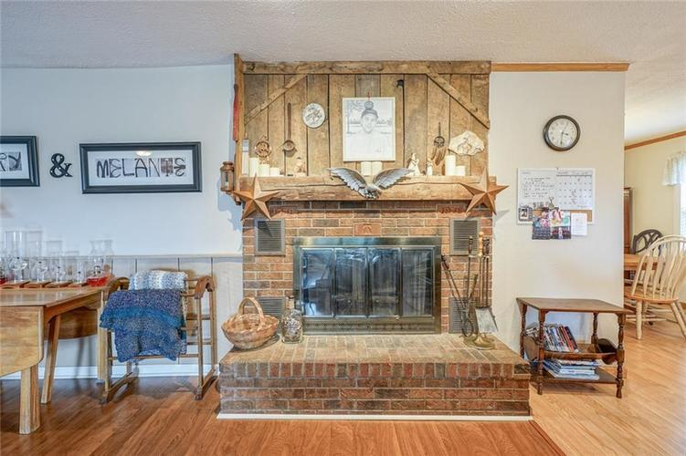 8650 E State Road 32 Zionsville, IN 46077 | MLS 21655078 | photo 6