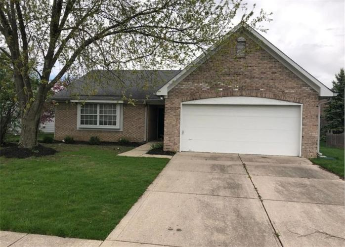6066 Countrybrook Road Indianapolis, IN 46254 | MLS 21655080 | photo 1
