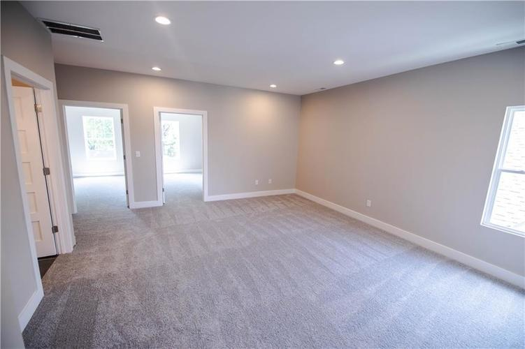 1709 Woodlawn Avenue Indianapolis, IN 46203 | MLS 21655084 | photo 22