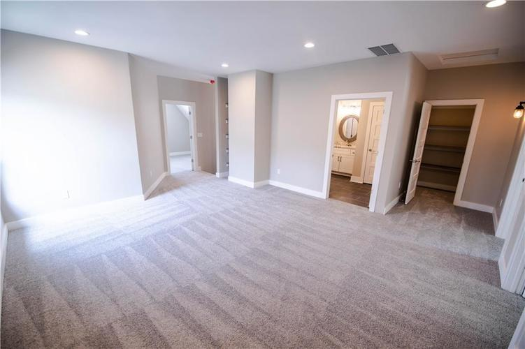1709 Woodlawn Avenue Indianapolis, IN 46203 | MLS 21655084 | photo 23