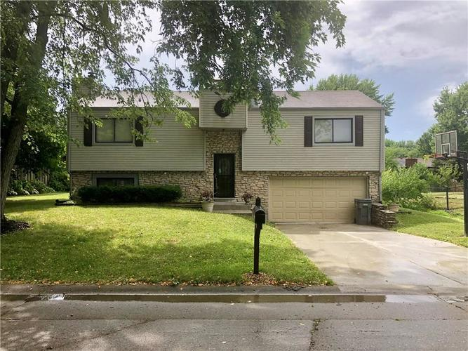 4830  CARRY BACK Lane Indianapolis, IN 46237 | MLS 21655169