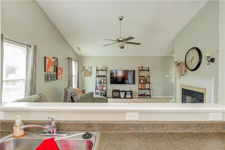 623 Melrose Court Greenfield, IN 46140 | MLS 21655235 | photo 12