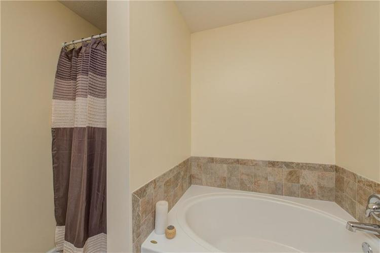 623 Melrose Court Greenfield, IN 46140 | MLS 21655235 | photo 17