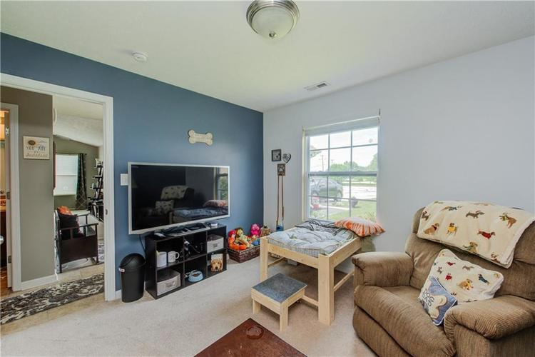 623 Melrose Court Greenfield, IN 46140 | MLS 21655235 | photo 23