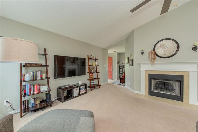 623 Melrose Court Greenfield, IN 46140 | MLS 21655235 | photo 7