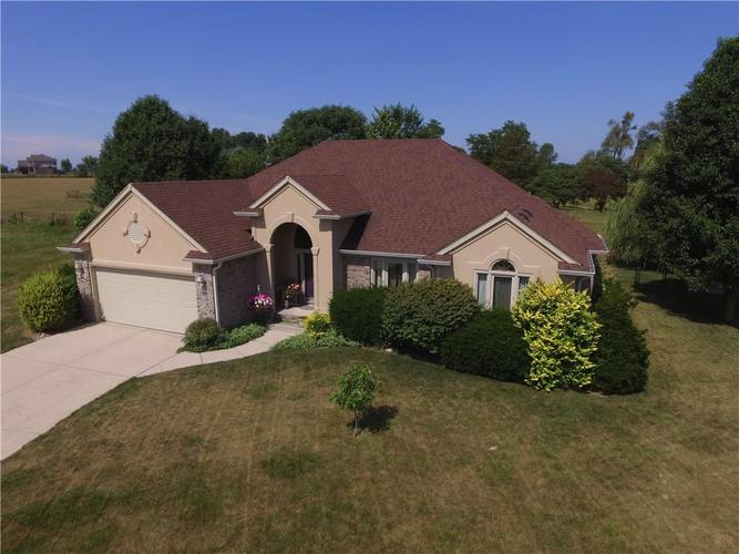 000 Confidential Ave.Franklin, IN 46131 | MLS 21655263 | photo 1