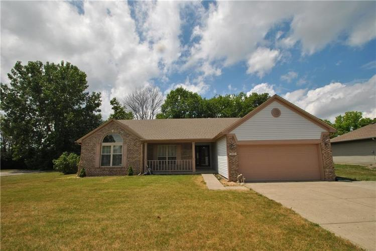 1202 Autumn Dr Mooresville IN 46158 | MLS 21655264 | photo 1
