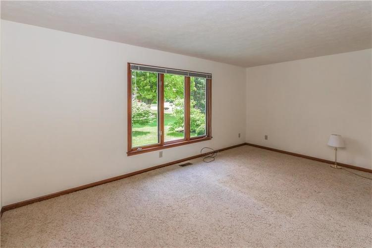 1823 Mace Drive Indianapolis, IN 46229 | MLS 21655270 | photo 16