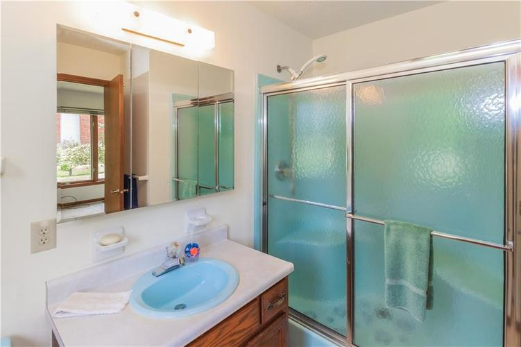 1823 Mace Drive Indianapolis, IN 46229 | MLS 21655270 | photo 18