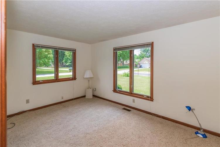 1823 Mace Drive Indianapolis, IN 46229 | MLS 21655270 | photo 20