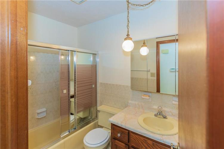 1823 Mace Drive Indianapolis, IN 46229 | MLS 21655270 | photo 21