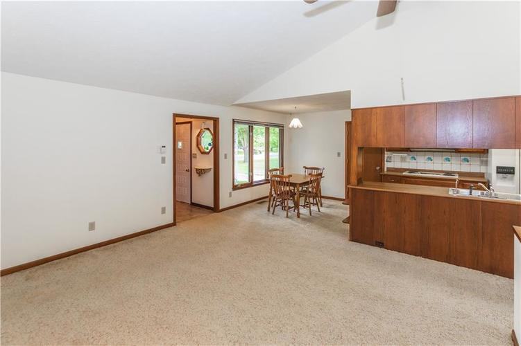 1823 Mace Drive Indianapolis, IN 46229 | MLS 21655270 | photo 5