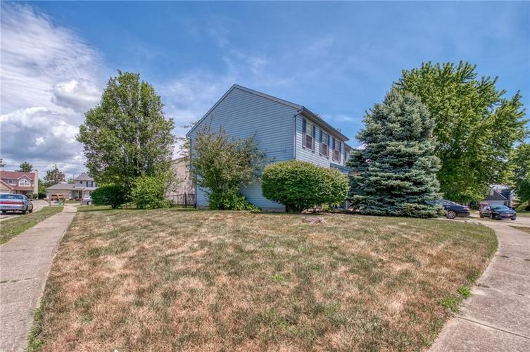 5926 King Lear Drive Indianapolis, IN 46254 | MLS 21655275 | photo 3