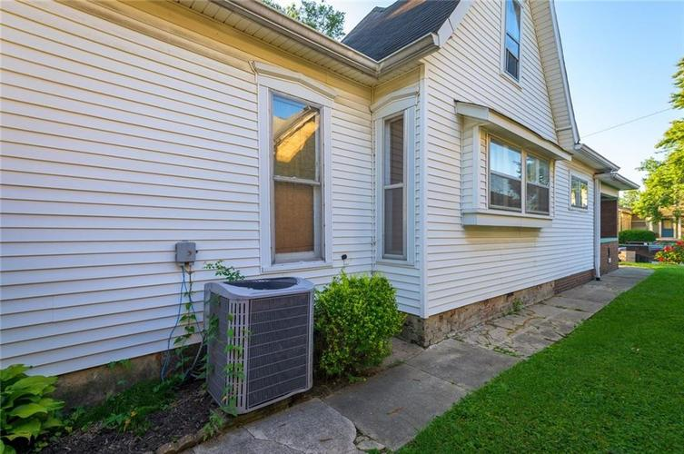 1432 E Woodlawn Avenue Indianapolis, IN 46203 | MLS 21655279 | photo 24